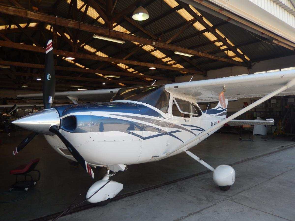 GRICAS test aircraft: a CESSNA 182 owned by the Aeroclub de Barcelona Sabadell.